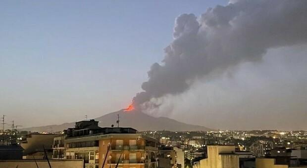 Etna, nuova eruzione: «La pressione ha fatto tremare finestre, mura e pavimenti»