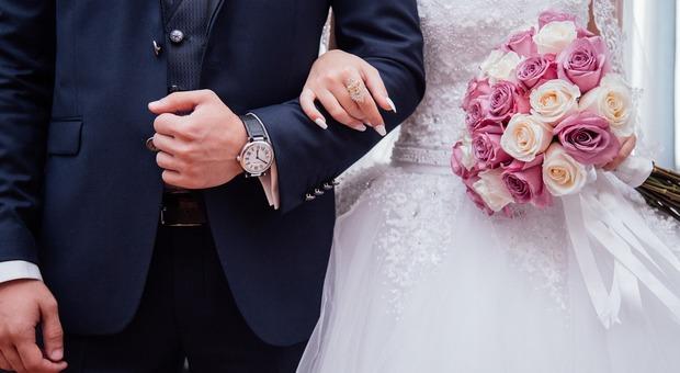 """Il sindaco di Santa Lucia di Piave scatenato: dopo i """"nasest """" ecco i """"maridadi in Veneto"""""""