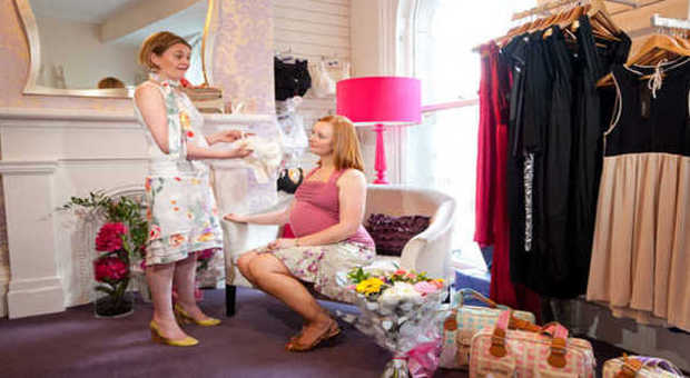 comprare popolare 563a3 00b7d Shopping premaman sulle orme di Kate Middleton - Il ...