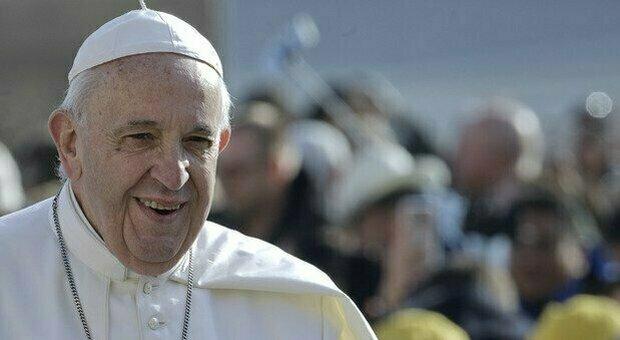 Papa Franceco, l'ultimo bollettivo: leggera febbre e visita ai piccoli pazienti oncologici