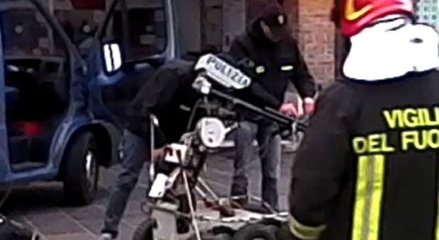 Nuovo allarme bomba ore di caos a piazzale roma per uno - Allarme bomba porta di roma ...