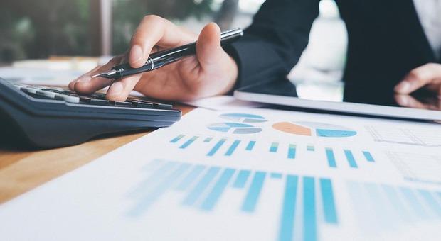 Maxi-frode al fisco sui crediti d'imposta, decine di imprenditori truffati dal consulente: finiscono a processo