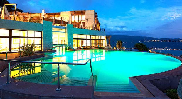 E 39 sul lago di garda l 39 hotel pi green d 39 europa bene il - Piscine alto adige ...