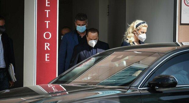 Berlusconi come sta? Accertamenti oggi perché «c'era qualcosa da sistemare». In 5 mesi 4 ricoveri