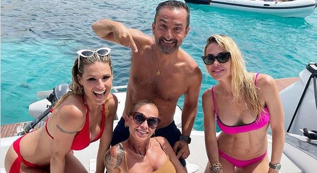 Il post di Michelle Hunziker in Sardegna con Ilary Blasi e Nicola Savino (Instagram)