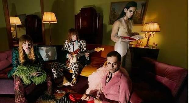 I Maneskin star di Gucci Aria, la band testimonial nella nuova campagna tra piume e trasparenze
