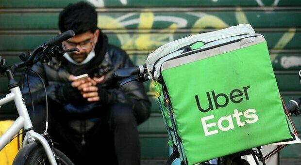 App che verifica casco e bicicletta, Uber Eats annuncia misure per la sicurezza dei corrieri