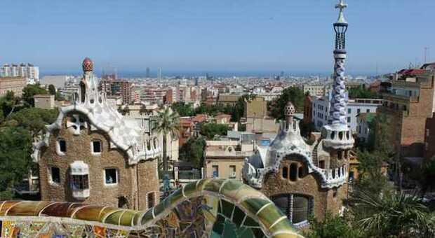 Spagna, crollo del turismo: -69,7% nei primi 5 mesi del 2021 e spesa diminuita del 71,5%