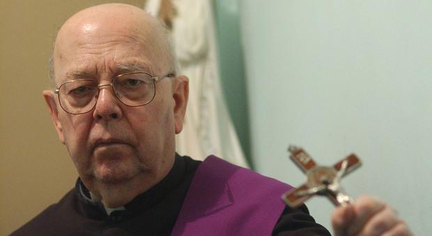Roma, morto a 91 anni l'esorcista padre Amorth, uno dei sacerdoti più famosi al mondo
