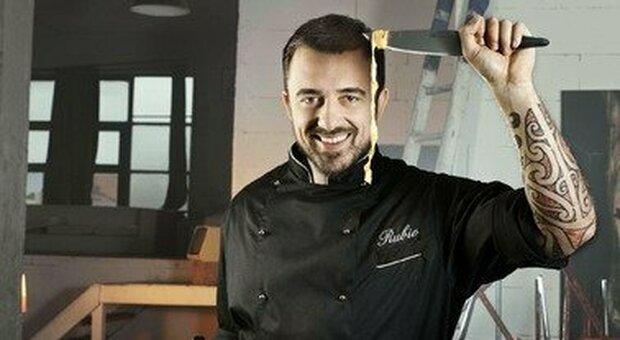 «Razzisti e peracottari», Chef Rubio batte Fratelli d'Italia: non è diffamazione