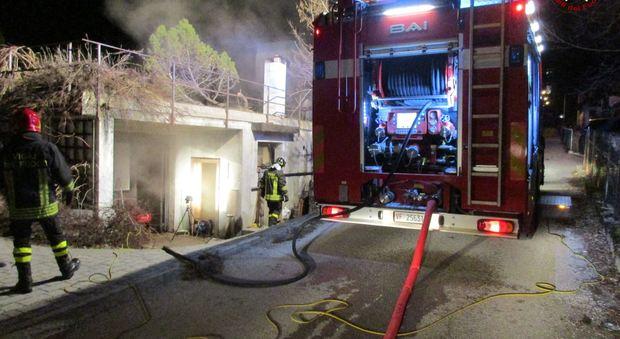 La sauna nel garage di casa va a fuoco i pompieri evitano for Garage di casa