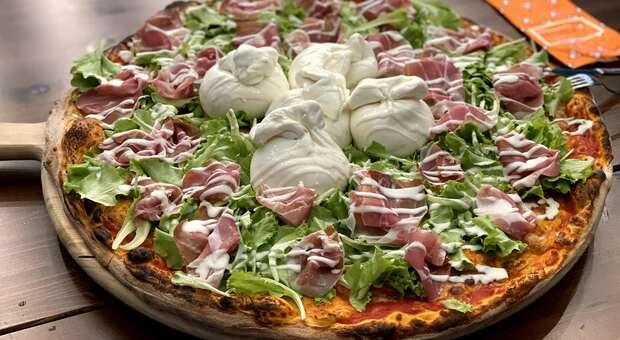 """Una pizza """"creata"""" da Dino"""