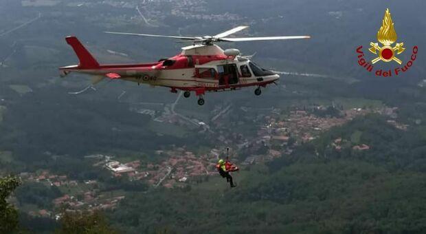 Vedono un deltaplano che precipita e danno l'allarme: si cerca sul Monte Raut