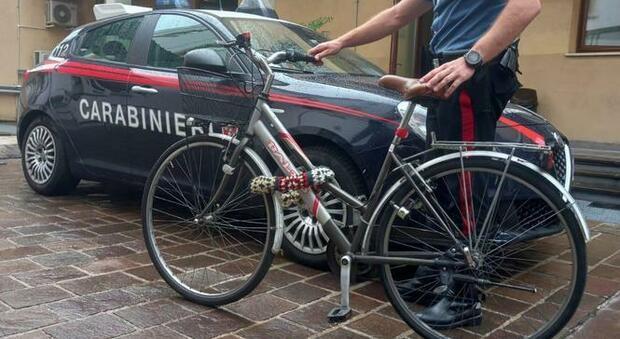 Una bici recuperata dai carabinieri (foto di repertorio)