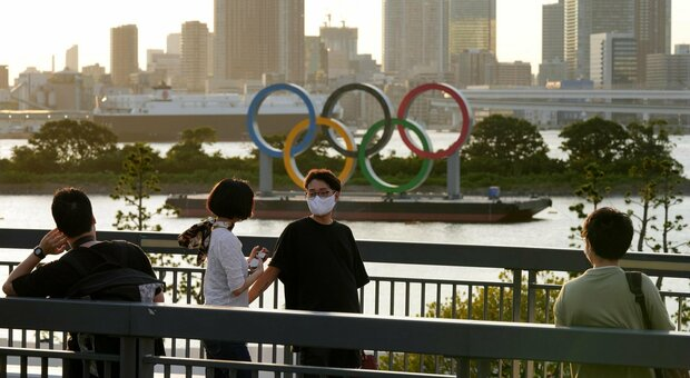 Olimpiadi, 6 atleti italiani in quarantena a Tokyo: erano in aereo con il giornalista positivo