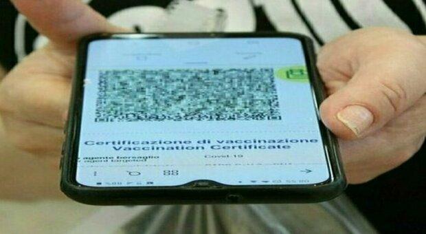 Green pass obbligatorio anche per idraulici, elettricisti, baby sitter, colf e volontariato: decreto in arrivo