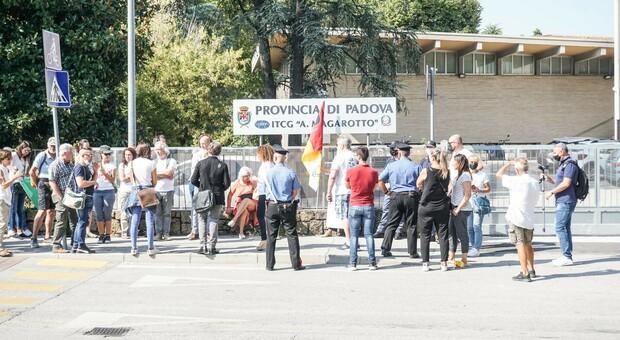 Corteo No vax a Padova: in 4mila paralizzano il traffico della città