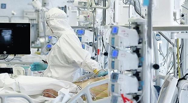 I pazienti dell'ospedale di Treviso: «Non ci facciamo curare dai medici no vax»