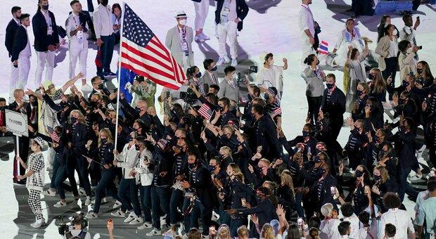 Olimpiadi, 100 atleti no-vax su 613 in team Usa: polemica su chi rifiuta immunizzazione