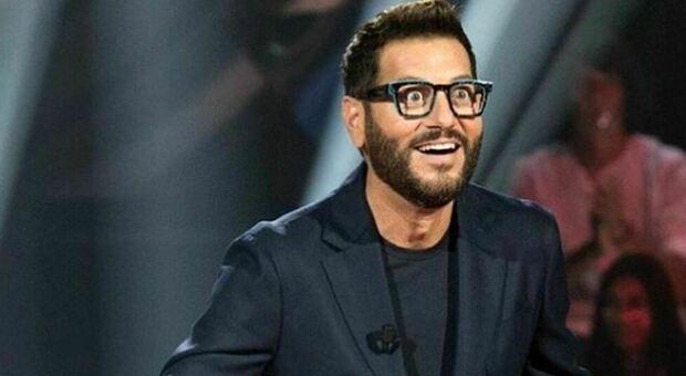 """Stasera in tv 26 settembre su Canale 5 """"Scherzi a Parte"""": tra le vittime Elettra Lamborghini e Rocco Siffredi"""