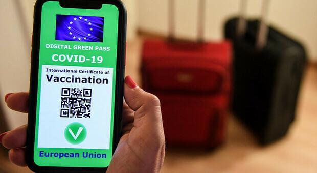 Green Pass, dati sbagliati o software diversi: gli immunizzati senza Qr code