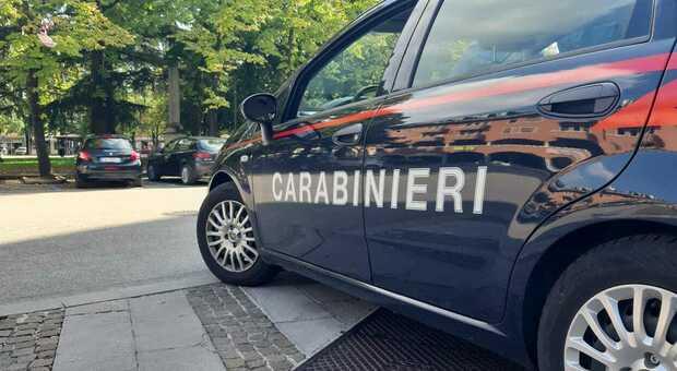 Una foto d'archivio di una gazzella dei carabinieri
