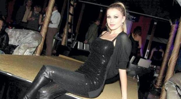 Ex pornostar eva henger presenta il concerto in piazza - Eva henger porno diva ...