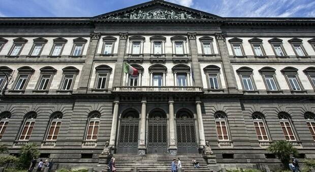 Napoli, ragazzo di 25 anni muore nella facoltà di lettere della Federico II: ipotesi suicidio