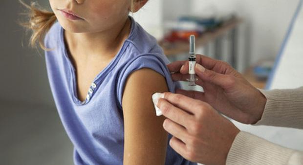 Vaccino ai bambini tra 5 e 11 anni. «Starò bene?», «Mi fa male?»: le domane più frequenti e le risposte del pediatra