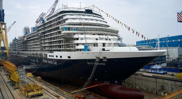 Nave Covid Free: vaccinati i 200 marinai della Rotterdam. Salperà in direzione Caraibi