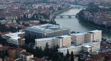 Batterio killer, chiuso il punto nascite dell'ospedale Borgo Trento