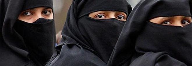 Accoltell la moglie perch non portava il velo musulmano - Perche le donne musulmane portano il velo ...
