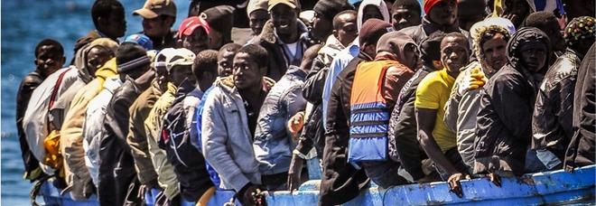 Permessi di soggiorno agli immigrati venduti a tremila euro ...
