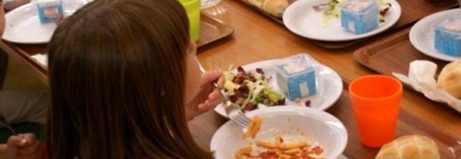 Bimba a crackers: «Scuola estranea, è stata una decisione del Comune»