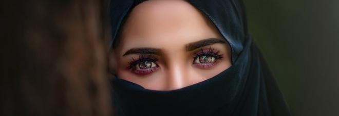 Denunciò il violentatore della sua bimba: donna isolata dalla comunità musulmana