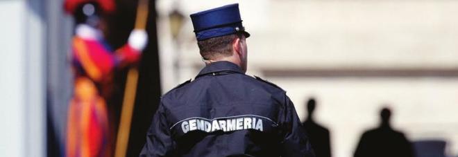 Choc in Vaticano, gendarme del Papa massacra la moglie