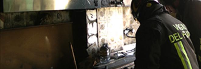 Si incendia la cappa della cucina: padre e tre figlie finiscono in ...