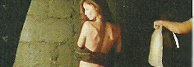 Raffaela Fico Calendario.Raffaella Fico Calendario Per For Men Gli Scatti Hot Per