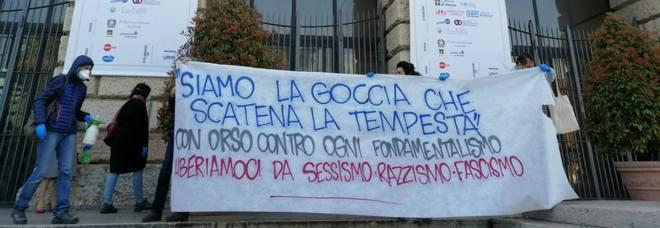 Due cortei opposti: Verona blindata  Salvini partecipa, Boldrini protesta