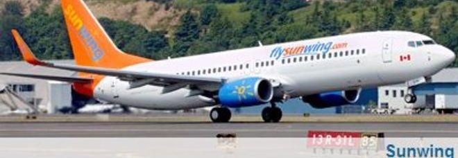 Aereo Di Linea Scortato Da Caccia : Passeggere ubriache e moleste l aereo riatterra scortato