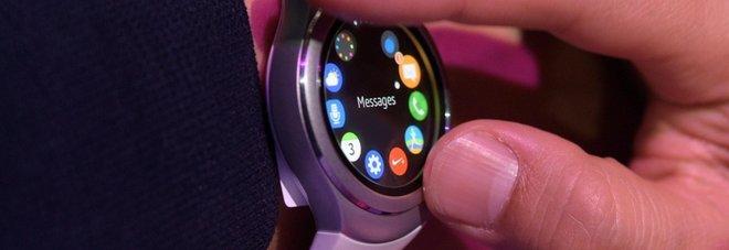 Idee Regalo Natale Tecnologia.Dagli Smartwatch Ai Visori Per La Realta Virtuale Le Idee
