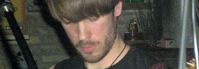 Uccide il pap a coltellate figlio 22enne impietrito e - Donazione immobile al figlio ...