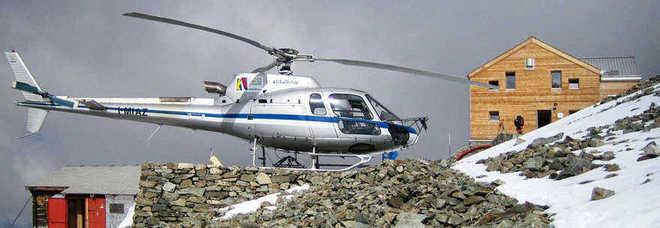 Yacht Con Elicottero A Bordo : Proseguono ricerche elicottero disperso con tre persone a