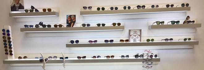fd0da2cf5d Assalto notturno a negozio di ottica: sparite 250 paia di occhiali