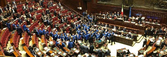 Taglio dei parlamentari s del senato a favore anche fi for Numero parlamentari pd