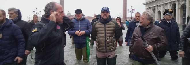 Salvini: «Questa città grida aiuto»  E c'è chi sbotta: «Basta passerelle»  Zaia: danni per centinaia di milioni