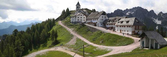 """Quel sentiero """"celeste"""" di 200 chilometri: a Nordest c'è il cammino di Compostela italiano /Le 10 tappe"""