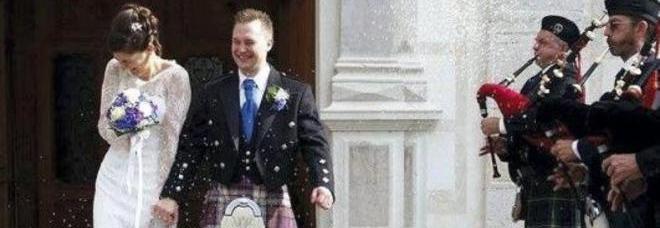 Matrimonio In Kilt : Matrimonio scozzese note di cornamusa e lo sposo indossa