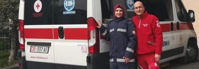 Assia, prima donna della Croce Rossa col velo: «Così posso vivere l'umanità e la cittadinanza»