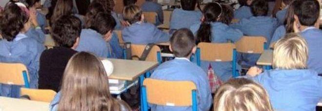 La maestra proibisce di andare in bagno bambino se la fa addosso in classe - Andare spesso in bagno ...